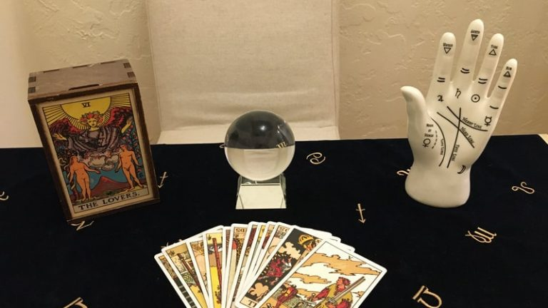 Tarot Reading Available Online